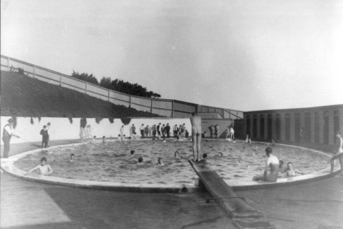 Western Plains Swimming Baths